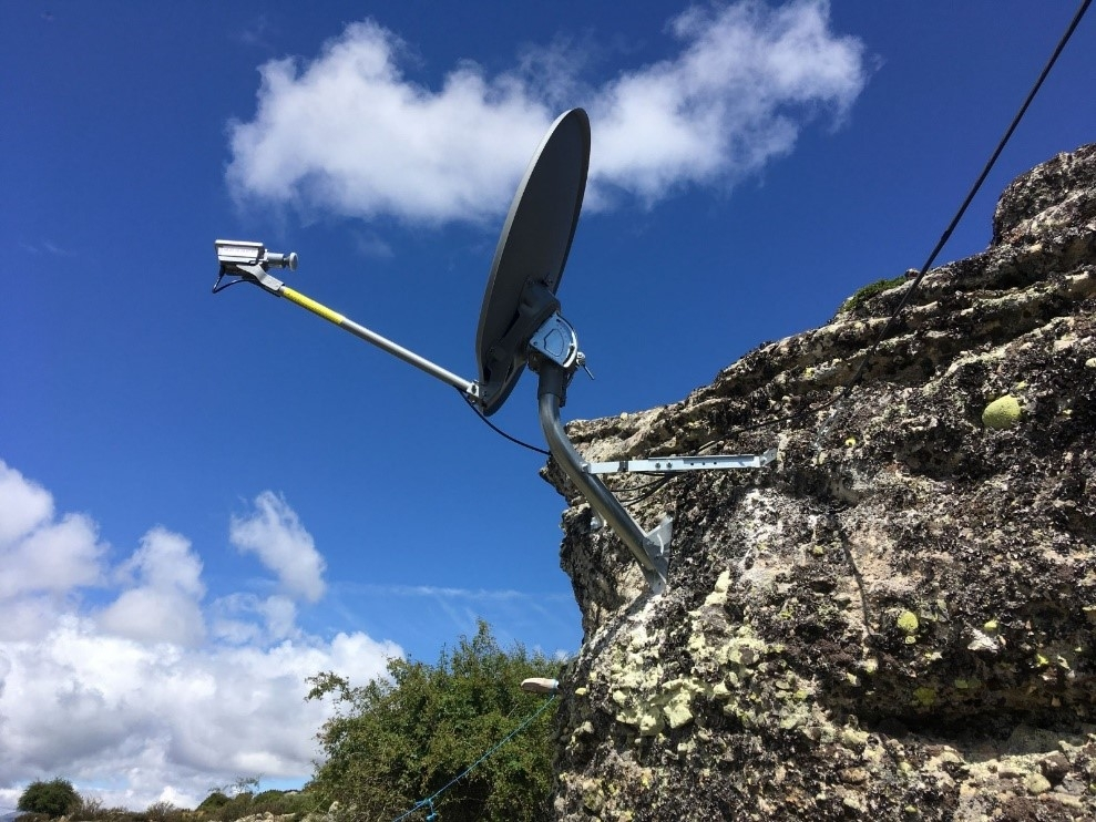 The company EURONA and GRUPO OPERATIVO OVINNOVA install INTERNET per satellite in the mountain huts of the mountains of PALENCIA and LEÓN